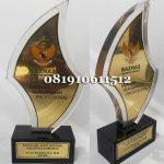 Pembuat-Plakat-Resin-150x150 GALERI PLAKAT