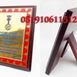 plakat-kayu-penghargaan-150x150 GALERI PLAKAT